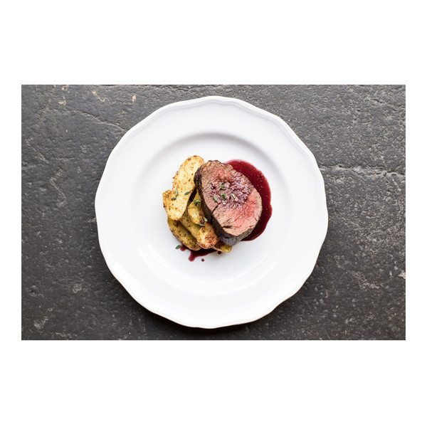Sliced grass-fed beef tenderloin with fig & fennel sauce & roasted fingerling potatoes, recipe
