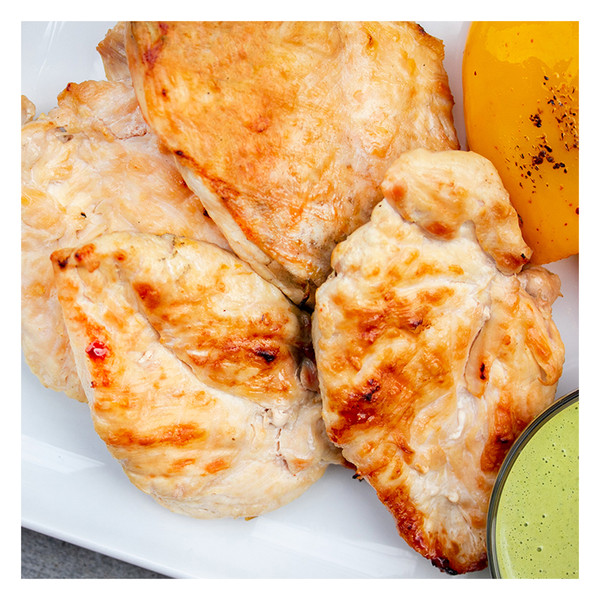Grilled skinless, boneless chicken breasts with yellow pepper & green sauce, recipe