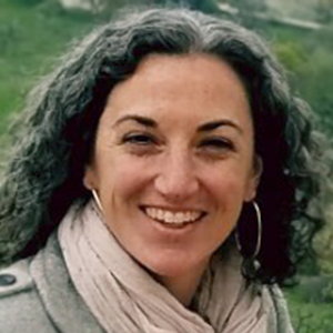 headshot of Suzanne